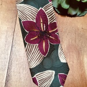 Hugo Boss 100% Silk Orchid Men's Neck Tie Italy